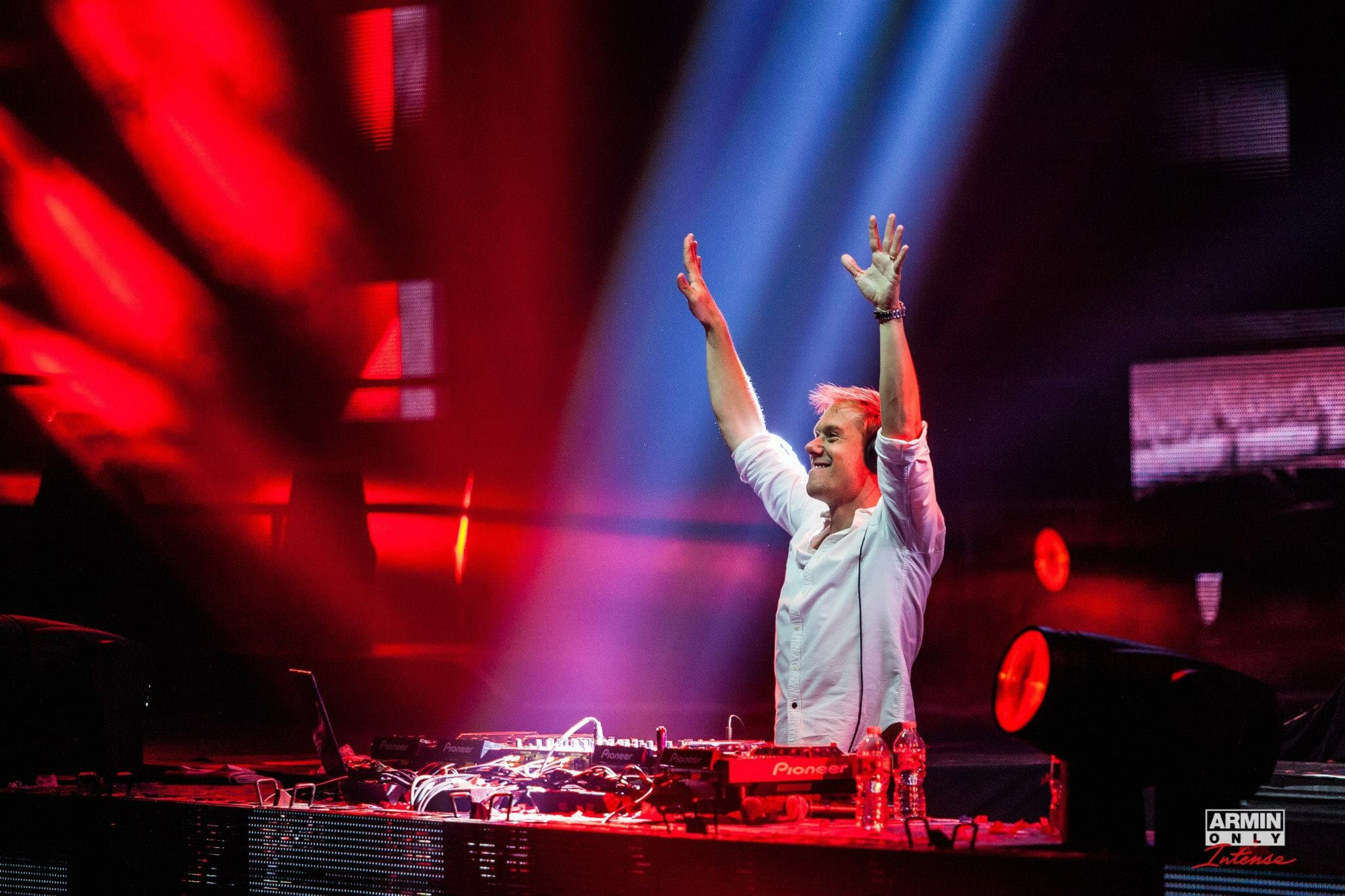Watch This: Armin Van Buuren recaps Madison Square Garden debut1403761 10152082616488316 6844895708331775456 O