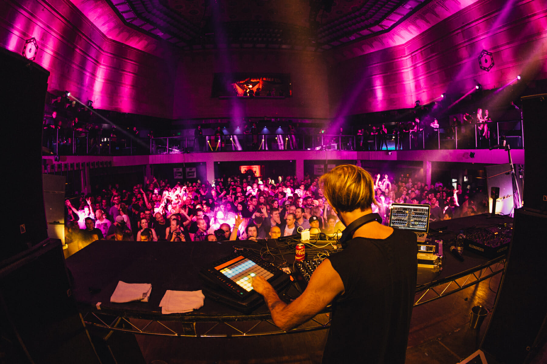 Listen to Richie Hawtin's Essential Mix Live from Los AngelesEla Essential 19