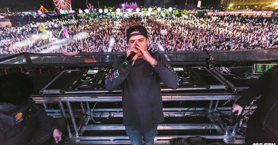 Watch Jauz bring Tiësto out at EDC to preview their new collaboration13245397 1713958418821906 171129369941219511 N