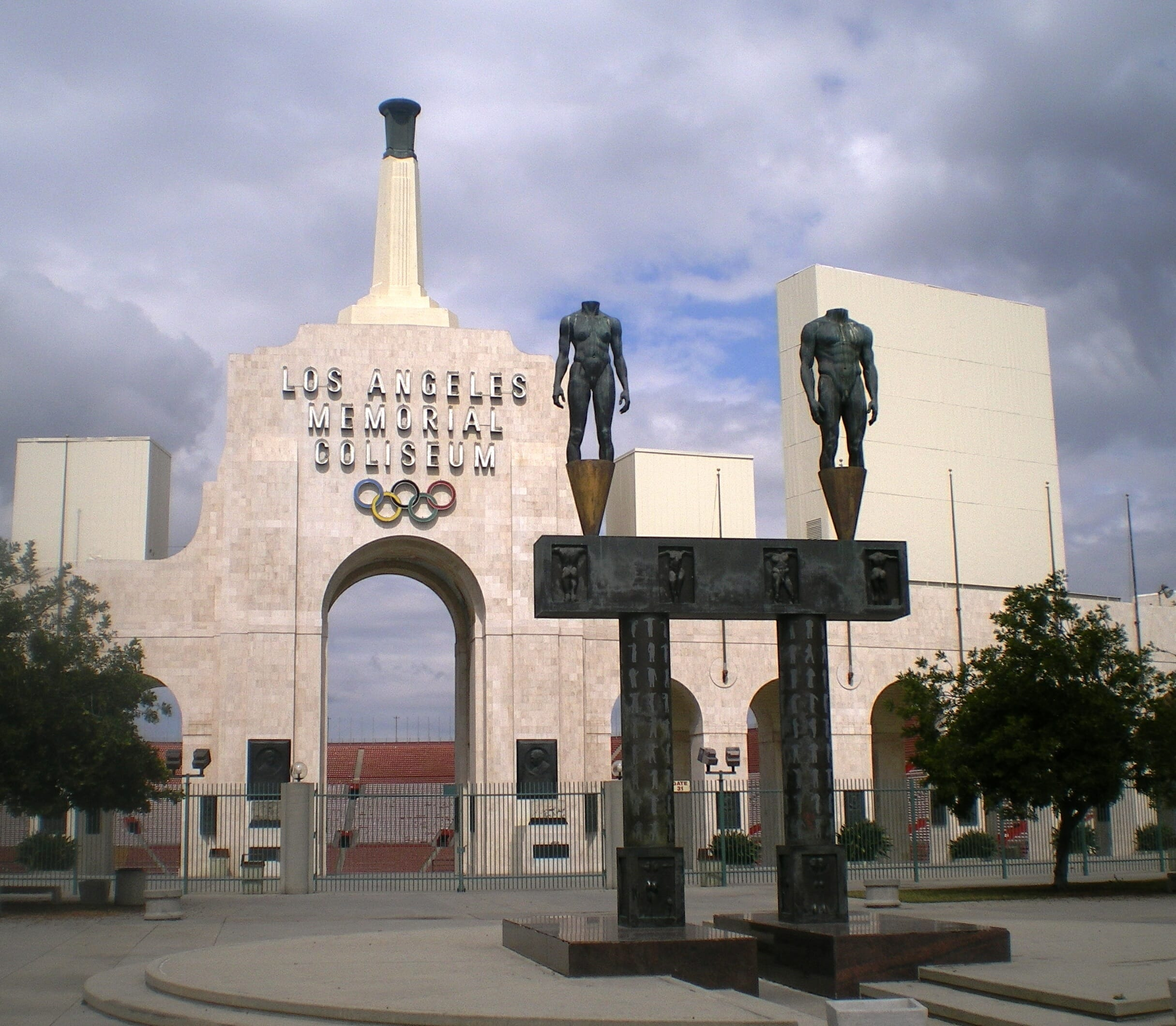 Final sentence in Los Angeles Coliseum corruption lawsuit handed downLos Angeles Memorial Coliseum Entrance