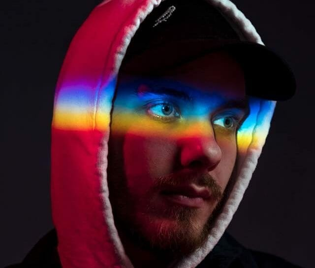 San Holo releases paranormal music video for 'Light' (watch)San Holo E1528046928853
