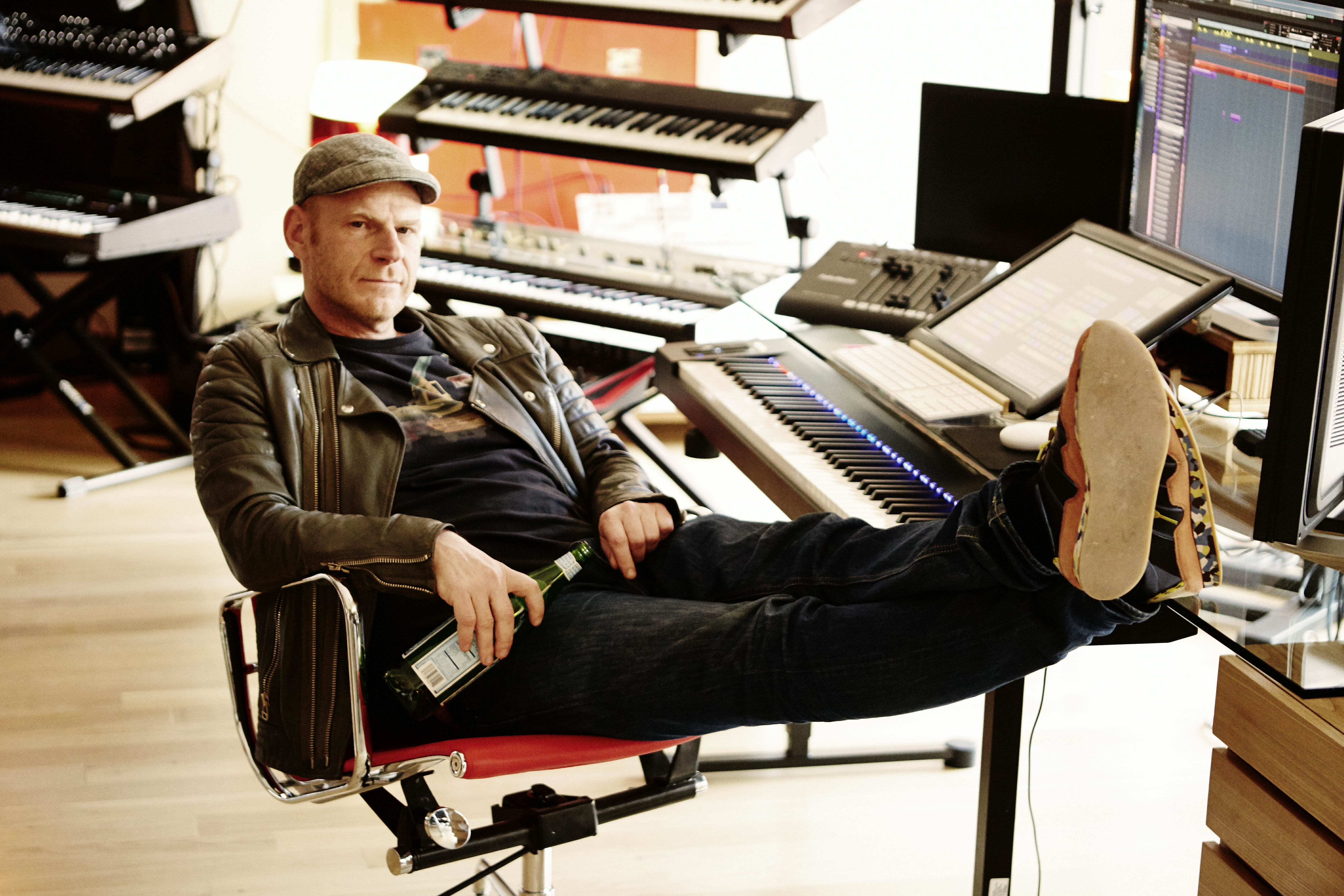 Watch Armin van Buuren visit Junkie XL's studioTom Holkenborg Junkie l Press Photo 30 Download