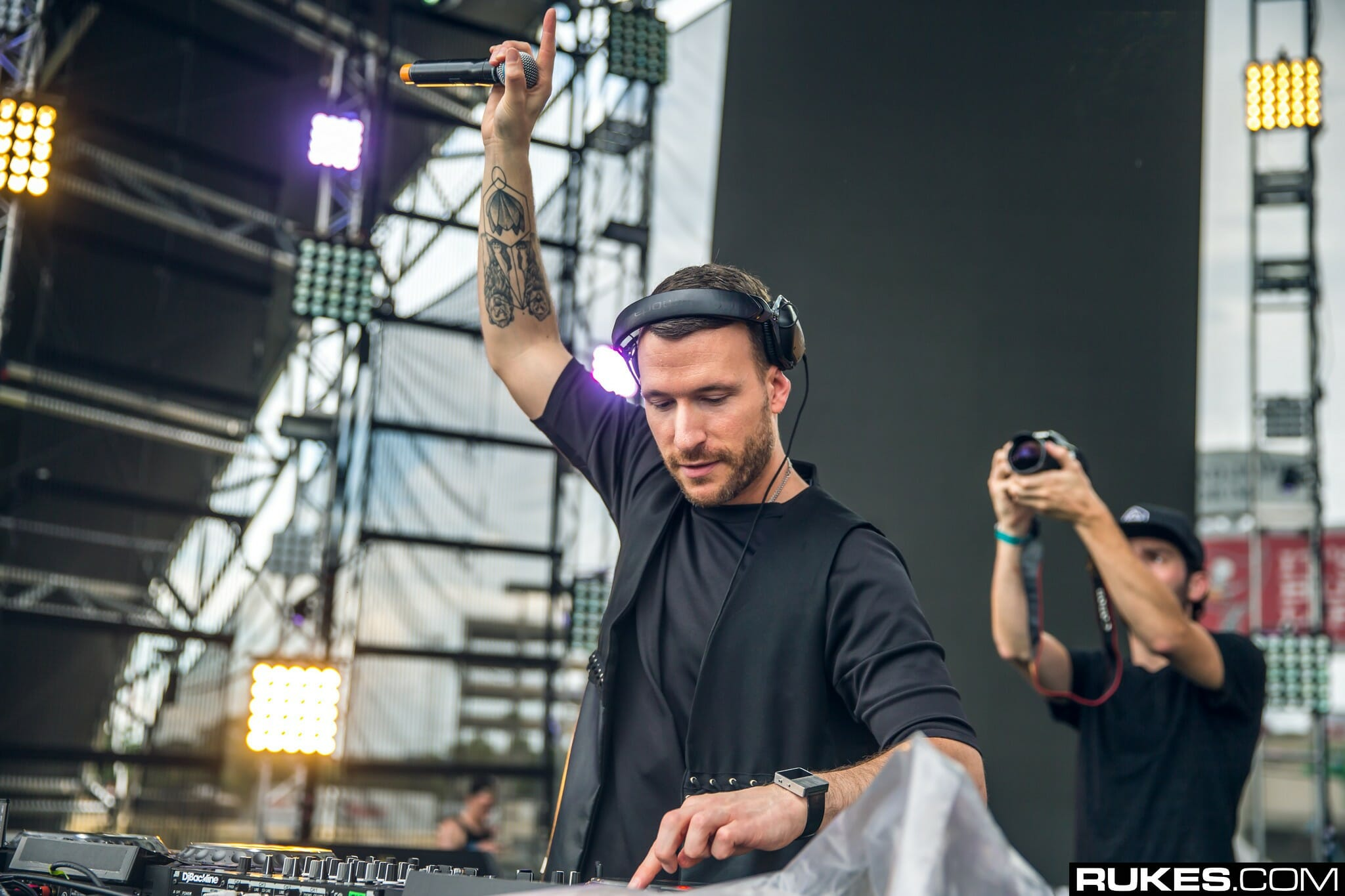 Don Diablo pumps up the energy in new remix of Martin Garrix and Khalid's hit, 'Oceans'Don Diablo Rukes