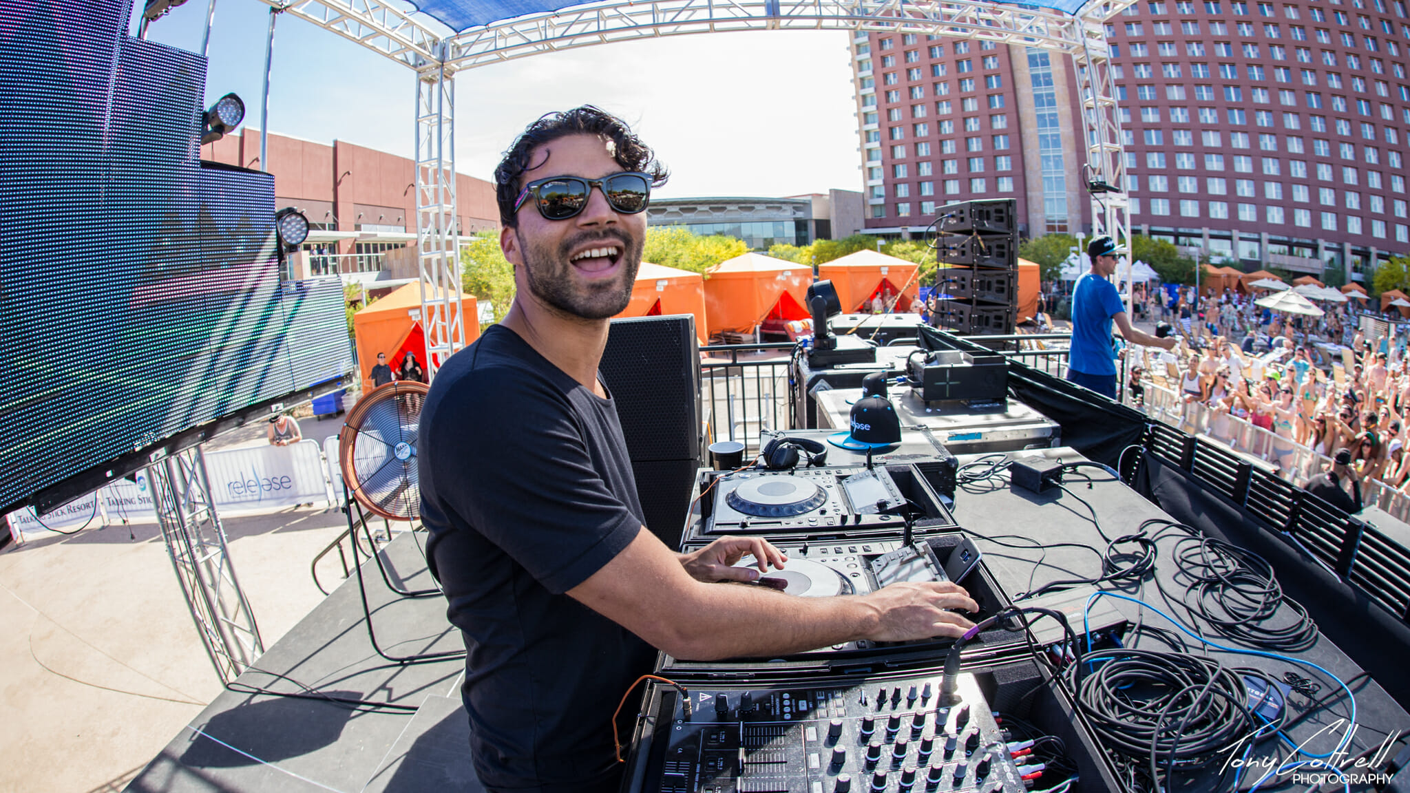 Check out R3HAB & Lia Marie Johnson's new single 'The Wave'R3hab 4