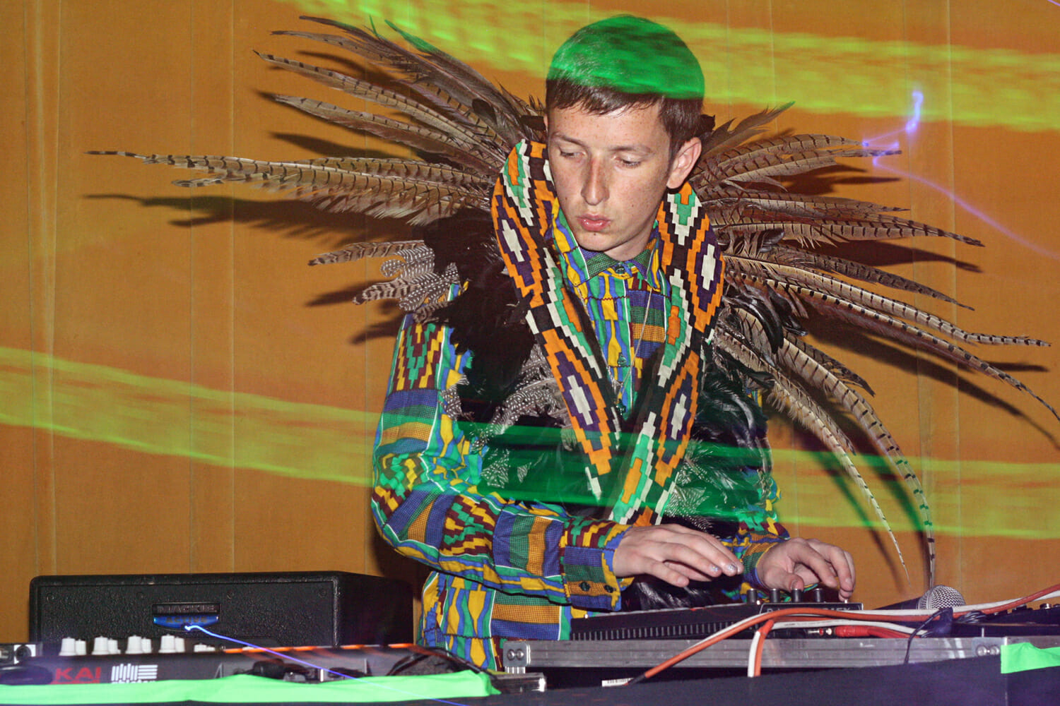 Good Morning Mix: Totally Enormous Extinct Dinosaurs brings deep grooves to Seattle's KEXPT E E D