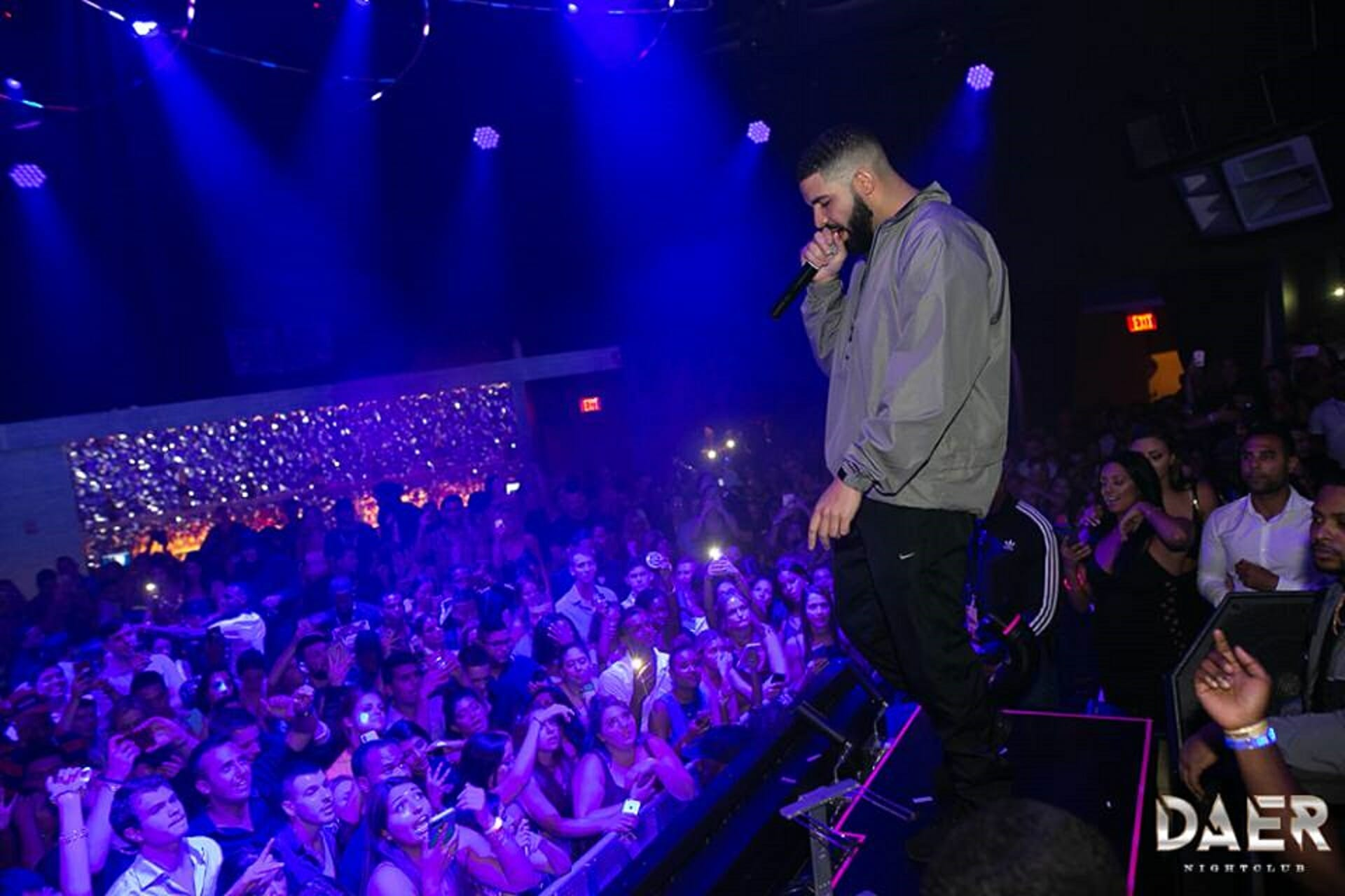 "Drake confirms he is working on a ""fresh"" new studio album [Watch]Drake Daer"
