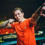 Tiësto offers Illenium and Jon Bellion's 'Good Things Fall Apart' a bigroom renderingD5f5h0EAAr4js