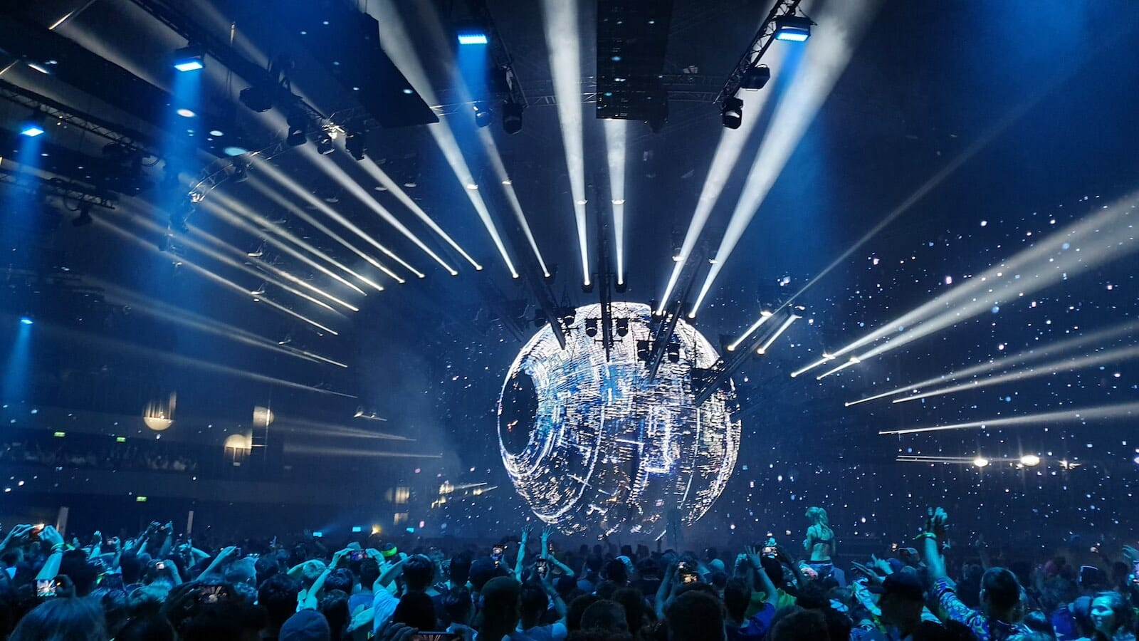 Eric Prydz is bringing his HOLOSPHERE live show to Tomorrowland [Watch]Epic Holosphere 9 1