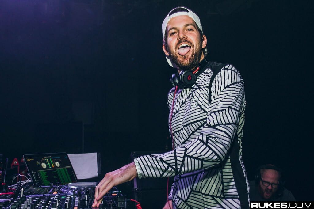 Dillon Francis and BabyJake are inseparable in 'Touch' music videoEYUQo WWoAA84eR