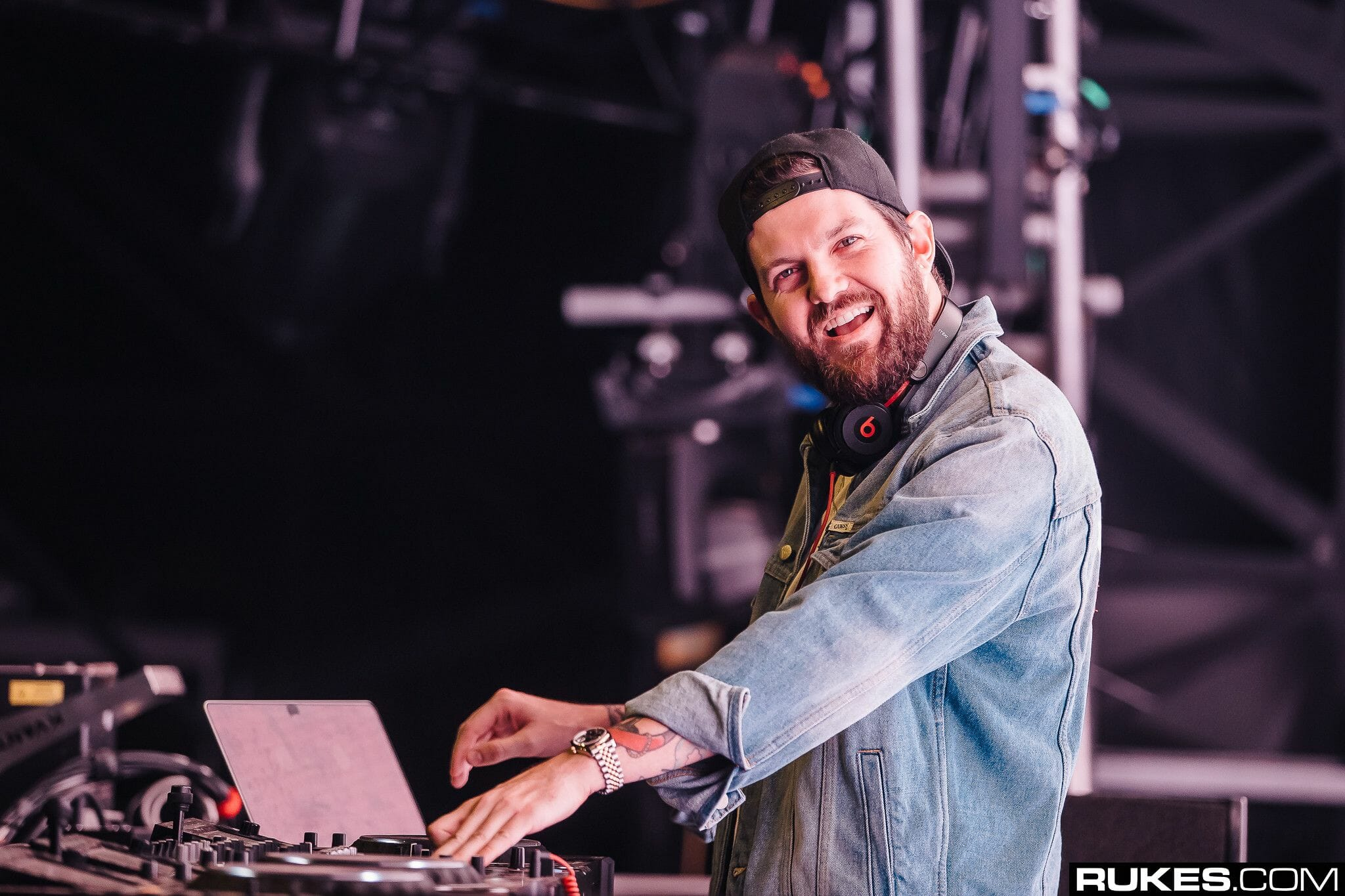 Good Morning Mix: Dillon Francis leans into house stylings for 'Tomorrowland Friendship Mix'Dy2Y8W AALAft