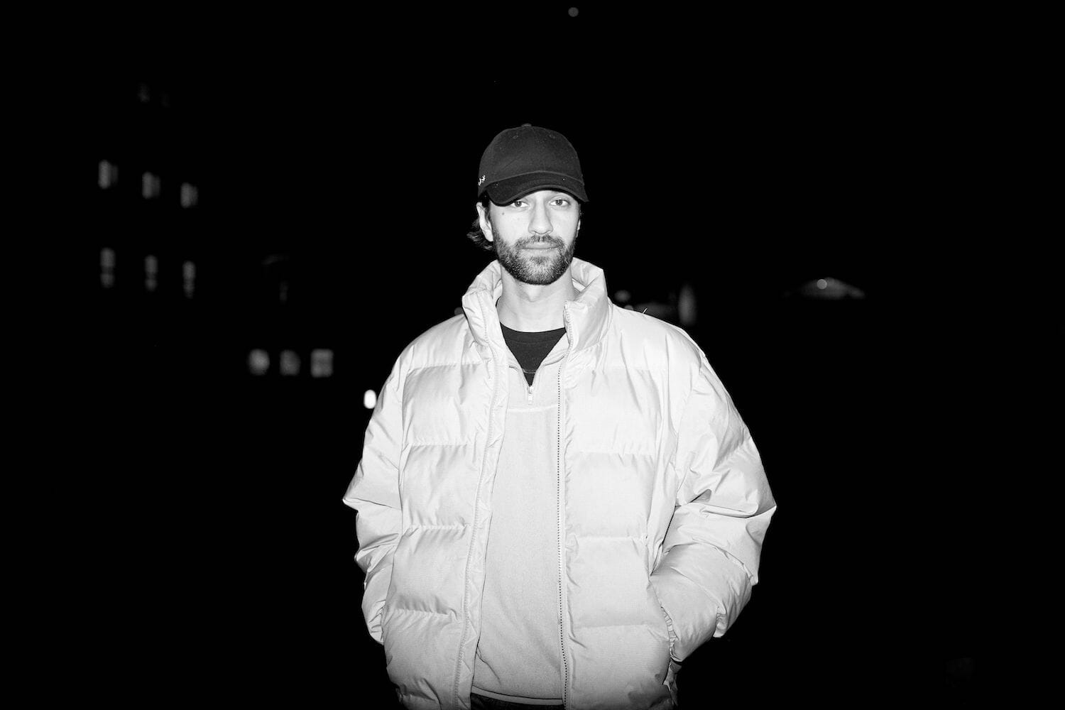 Premiere: Jeremy Olander solves the cube with newest release, 'Rubicks'Jeremy Olander Dancing Astronaut
