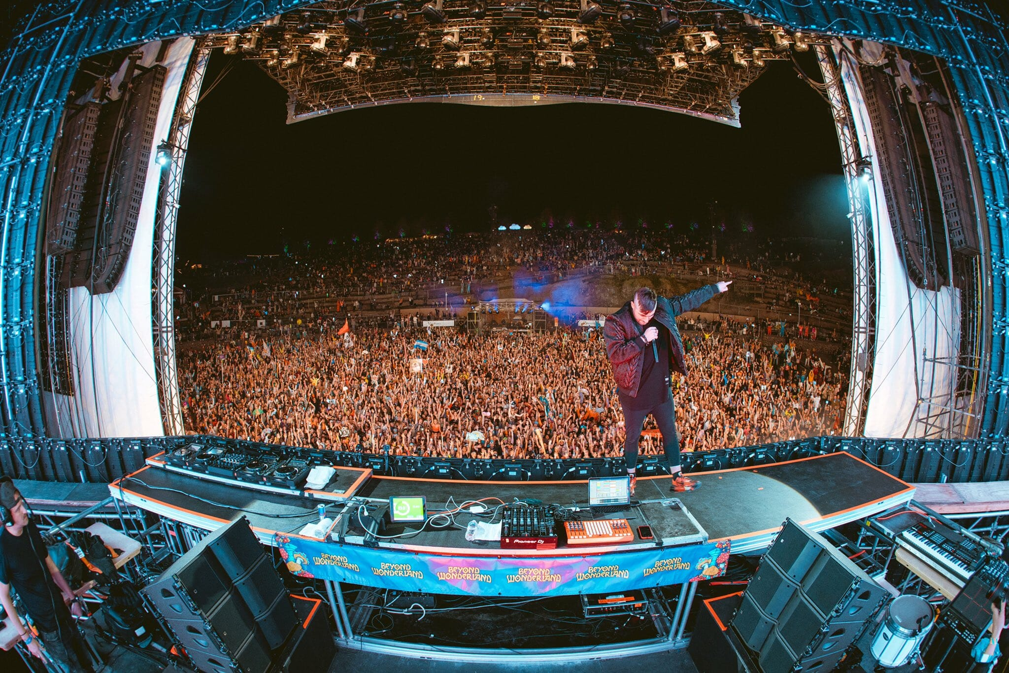 3LAU releases world's first fan-owned song, 'Worst Case' with CXLOEFAuwYmeVQAEYE9E